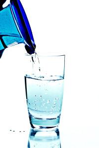Při cvičení v létě doplňujte dost tekutin