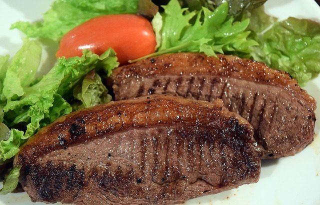 steaks-1333513_640