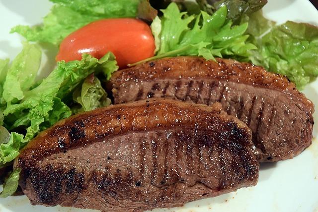 Kolik bílkovin přijímat v jednom jídle? Musí to být právě 30g, nebo ne?